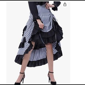 Victorian tiered high low gothic skirt in Size L
